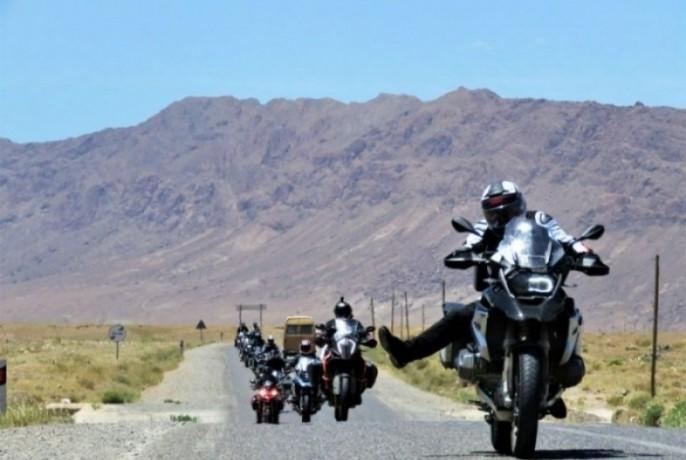 nos-mostramos-lhe-o-argentino-da-sua-motocicleta-voce-descobrira-um-mundo-de-paisagens-que-o-impressionara-big-4