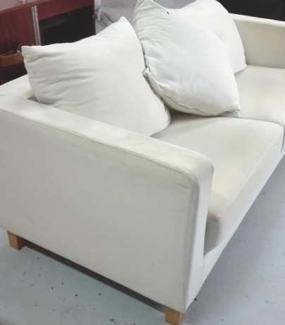 sofa-em-tecido-bege-big-0