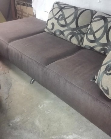 sofa-chaise-longue-com-banqueta-big-2