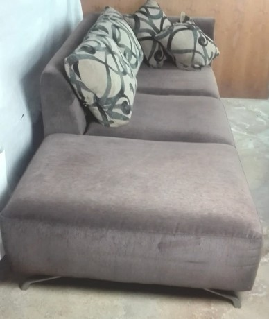 sofa-chaise-longue-com-banqueta-big-1