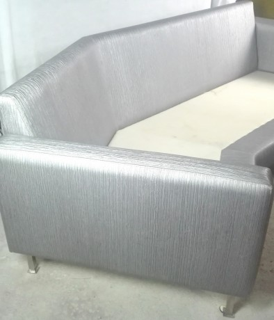 sofa-de-3-lugares-em-cinza-metalizado-big-1