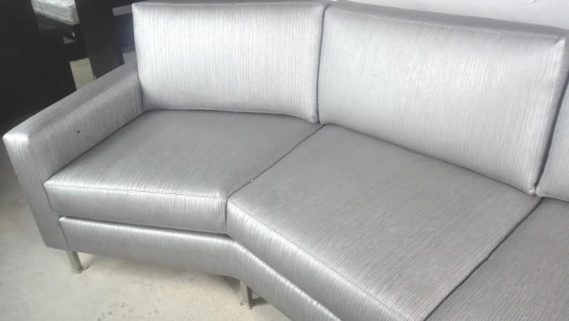 sofa-de-3-lugares-em-cinza-metalizado-big-3