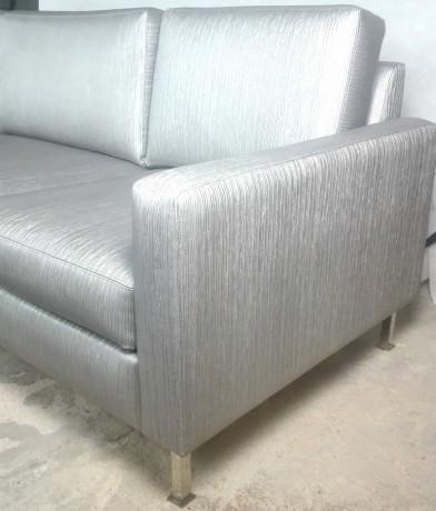 sofa-de-3-lugares-em-cinza-metalizado-big-4