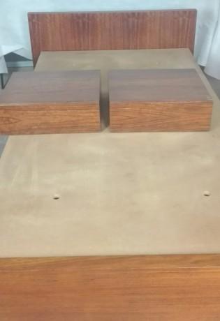 cama-e-2-mesas-de-cabeceira-em-madeira-macica-big-2