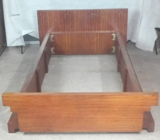 cama-e-2-mesas-de-cabeceira-em-madeira-macica-big-1
