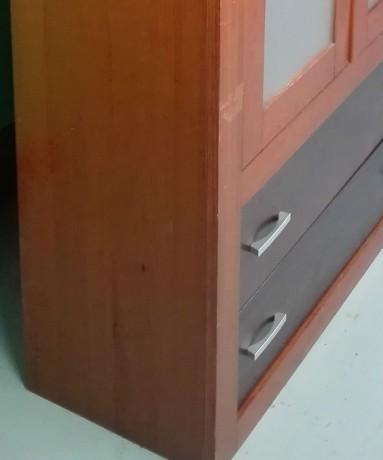 armario-em-madeira-com-2-portas-de-vidro-big-1