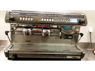 Mitsubishi Carrinha bar + MÁQUINA de café expresso