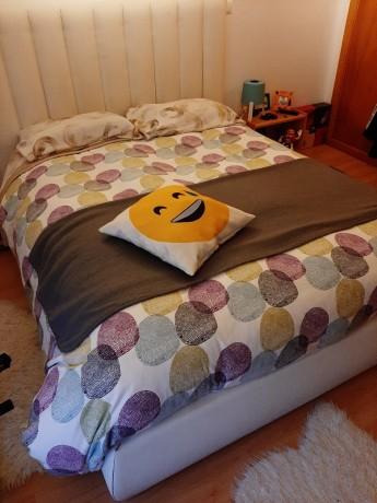 cama-casal-estofada-em-pele-branco-design-moderno-big-0