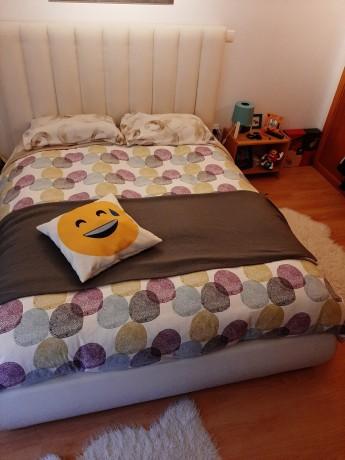cama-casal-estofada-em-pele-branco-design-moderno-big-2