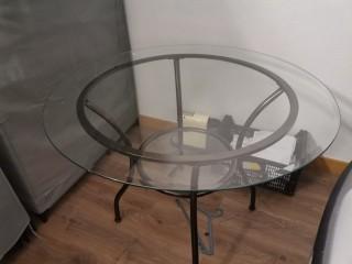Mesa em vidro