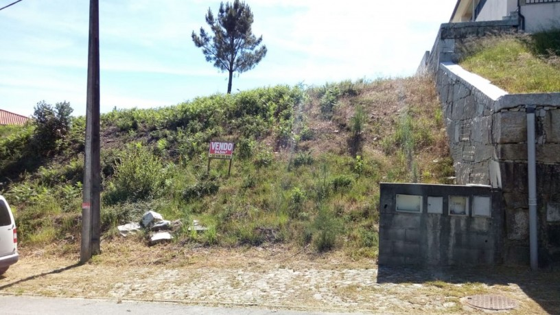 terreno-para-construcao-com-943m2-vila-nova-de-cerveira-big-2