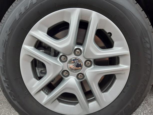 vendo-pneus-bridgestone-dueller-sport-21565-r16-e-jantes-16-jeep-big-0