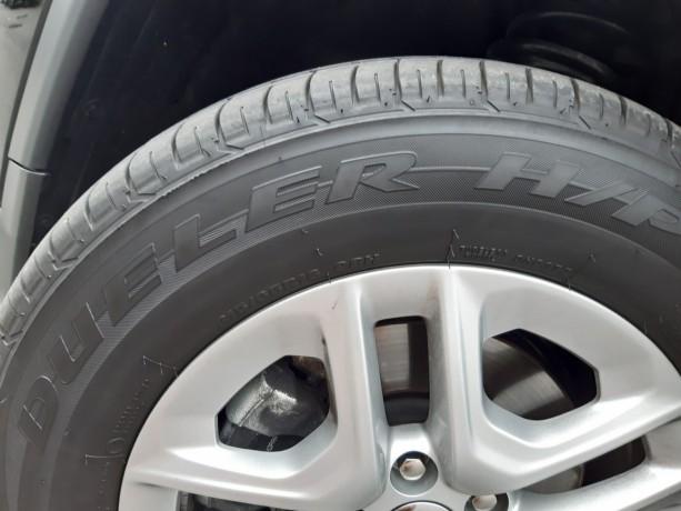 vendo-pneus-bridgestone-dueller-sport-21565-r16-e-jantes-16-jeep-big-6