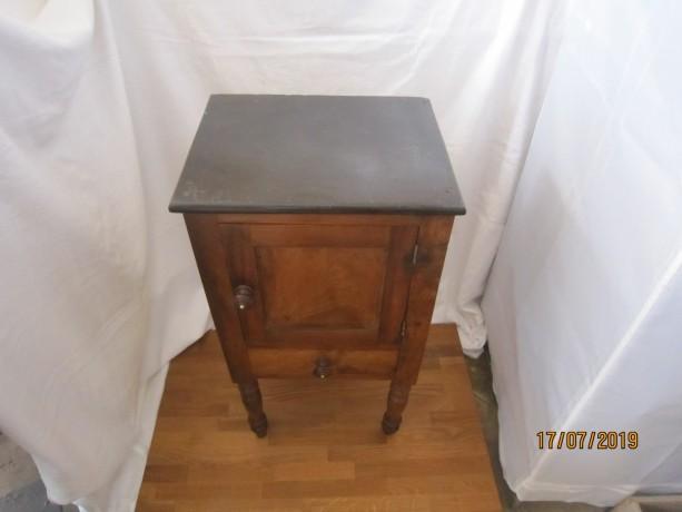 mesa-de-cabeceira-antiga-big-1