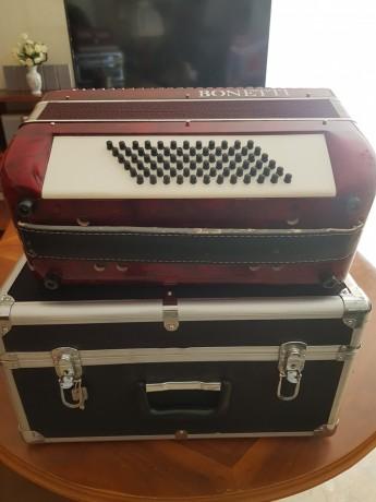 vendo-acordeon-de-teclas-bonetti-vermelho-em-optimo-estado-com-caixa-de-transporte-big-0