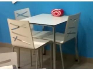 Mesas e Cadeiras de Cafetaria