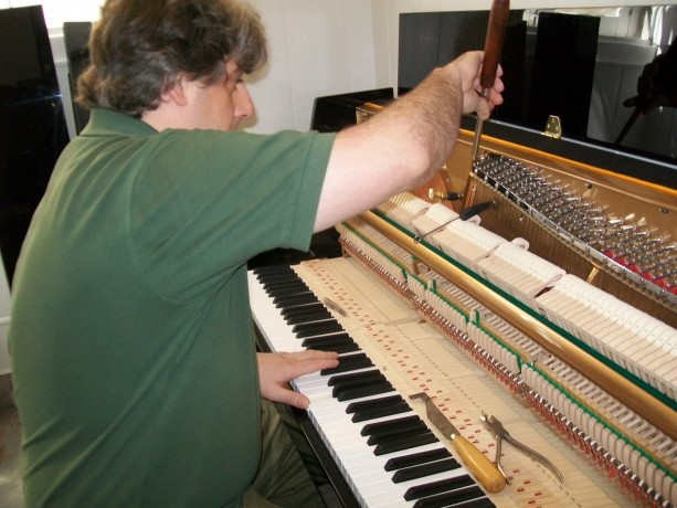 afinador-tecnico-de-pianos-lisboa-big-0