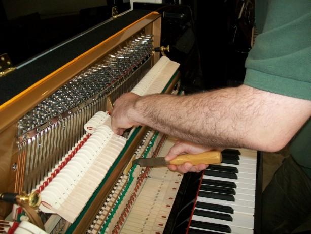 afinador-tecnico-de-pianos-lisboa-big-1
