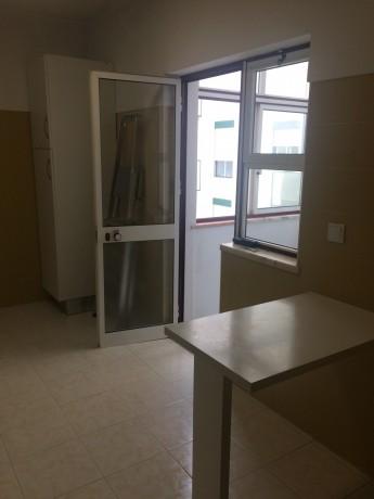arrenda-se-apartamento-tipologia-t1-big-5